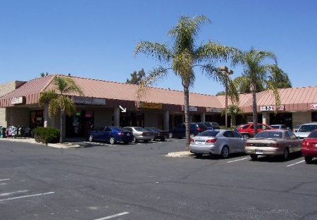 Restaurant Facility In High-Traffic Strip Mall