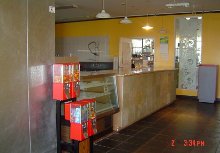 AAA Location Pizza Place For Lease - Nearly Turn-Key and Ready To Go!