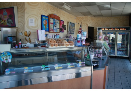 Baskin Robbins For Sale: Great South Placer location - Busy Center