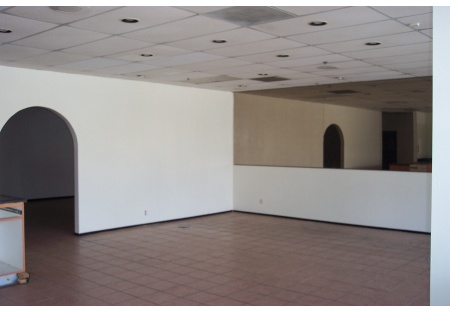 Vacant Pizza Restaurant w/Hood System in Fontana