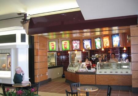 Popular Ice Cream Franchise. Great Location