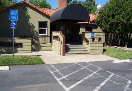 BEAUTIFUL RESTAURANT AND BAR FACILITY WITH LARGE GARDEN PATIO
