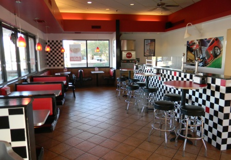 FRANCHISE BURGER AND ICE CREAM SHAKE RESTAURANT FOR SALE GILBERT AZ GROSSING MORE THAN $60k a Month!