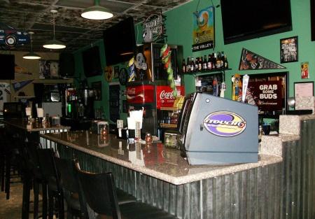 PIZZA DELI SPORTS BAR RESTAURANT W/BEER & WINE & LOW RENT