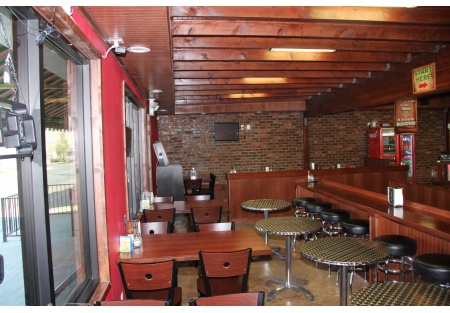Newly built restaurant, long term lease, high density area