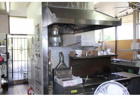 Pizza Business For Sale in San Diego with Low Rent and Great Location