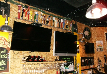 Craft Beer Bar w/Low Rent Absentee Operated