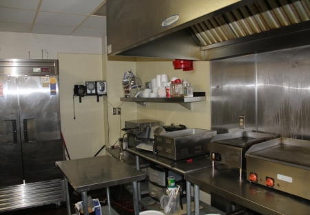 Five Day deli-busy office bldg Central San Diego location- $400 rent!