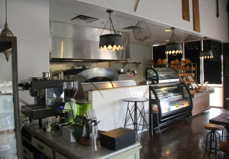 Quick Serve Pizza Restaurant in Upscale San Diego w/Large Patio