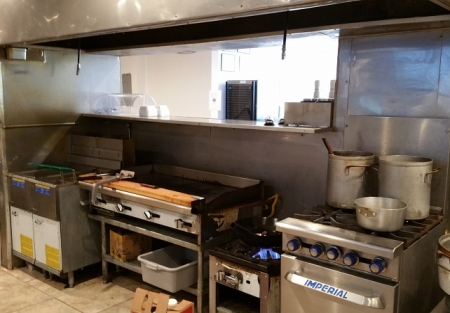 BBQ & Sushi QSR Style LOW RENT! Nearly New!