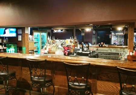 Type 48 Bar/Club recently refreshed like new! LOW RENT!!!
