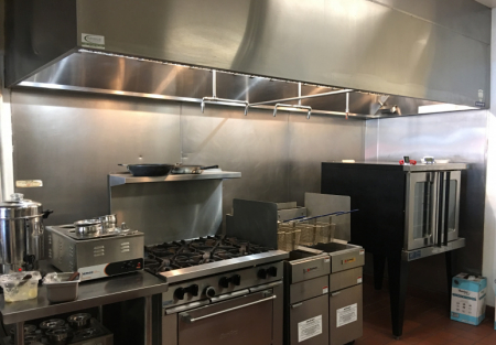 Nearly New Restaurant in Prime San Diego Area with Low Rent!