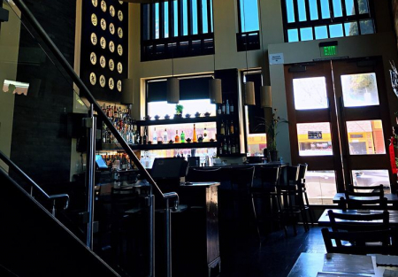 Upscale Bar and restaurant in Oakland Rockridge