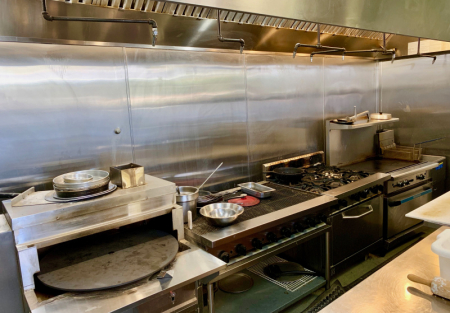 Mediterranean Oak Park Restaurant Facility or Convert to Your Concept