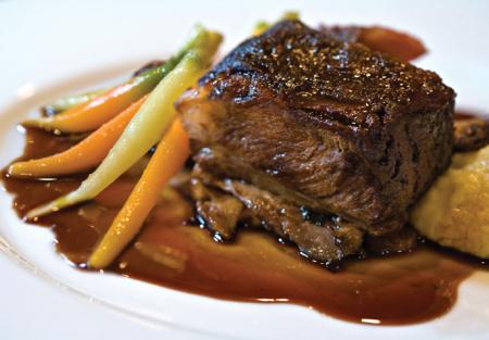 Classic American Food - Great Bar - Downtown Sacramento