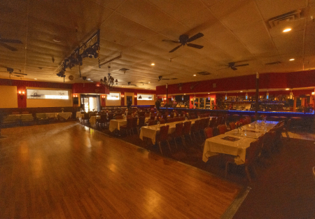 Beautiful Restaurant Space With Event Hall & Buffet