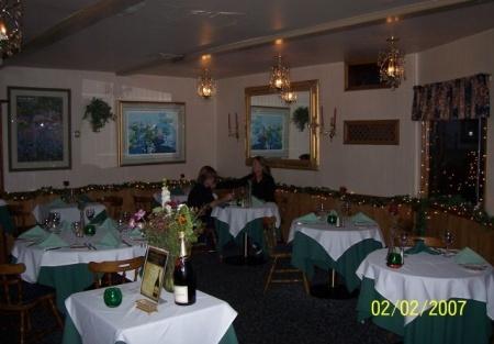 Quaint French or Italian Restaurant For Sale Riverside